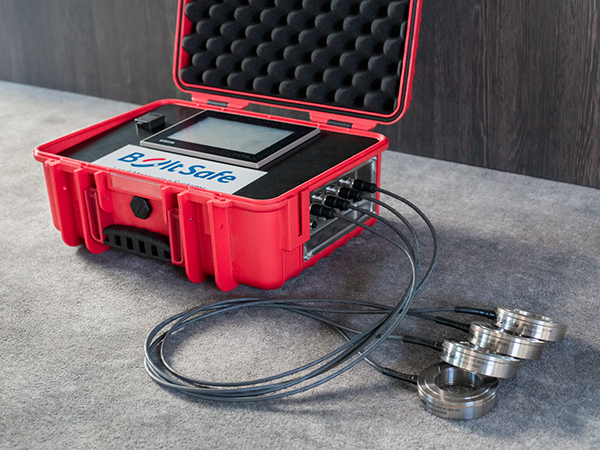 Network with PDI-NT in portable case